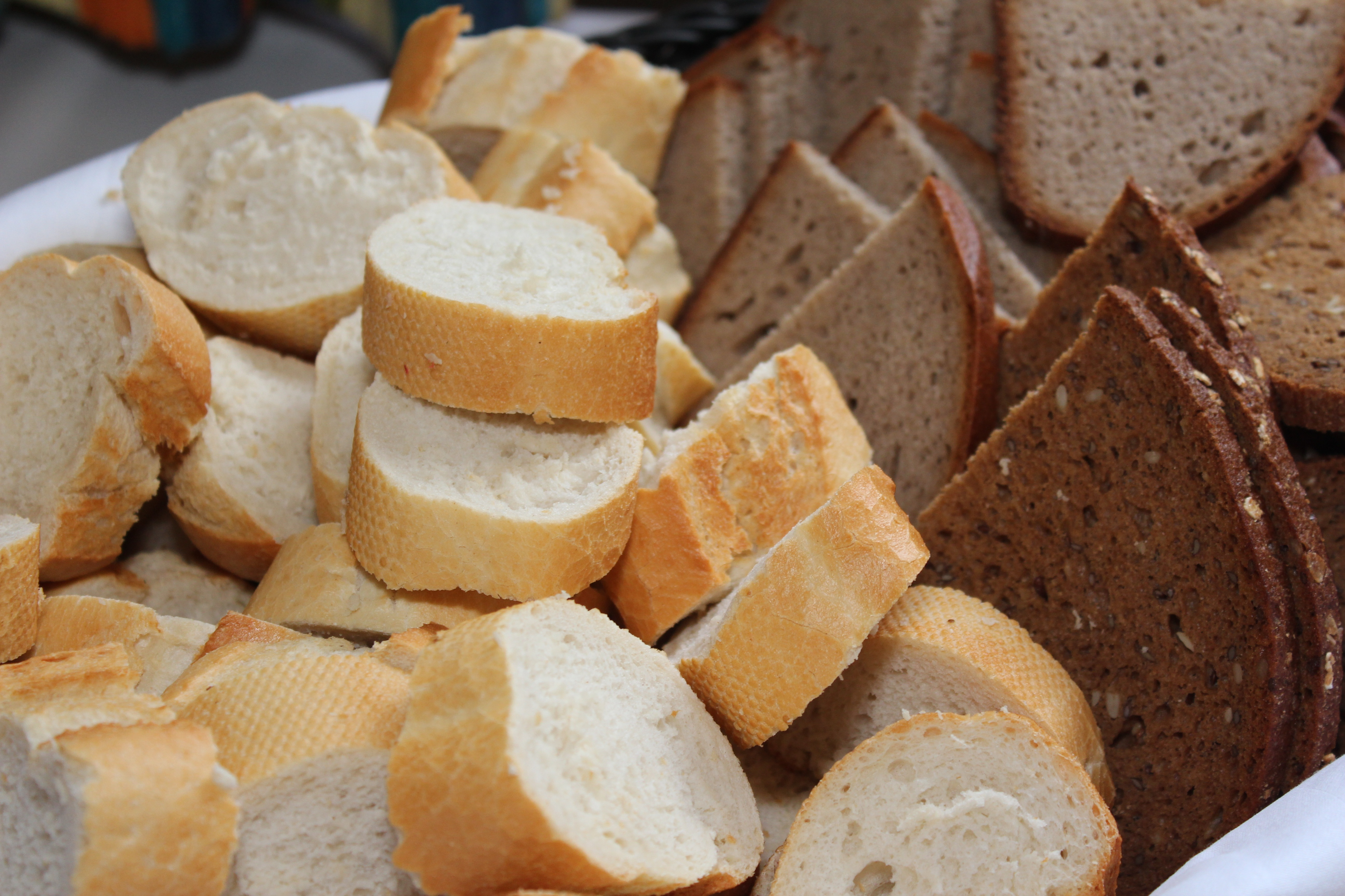 Oración de gratitud por los alimentos y consideración por los que tienen menos