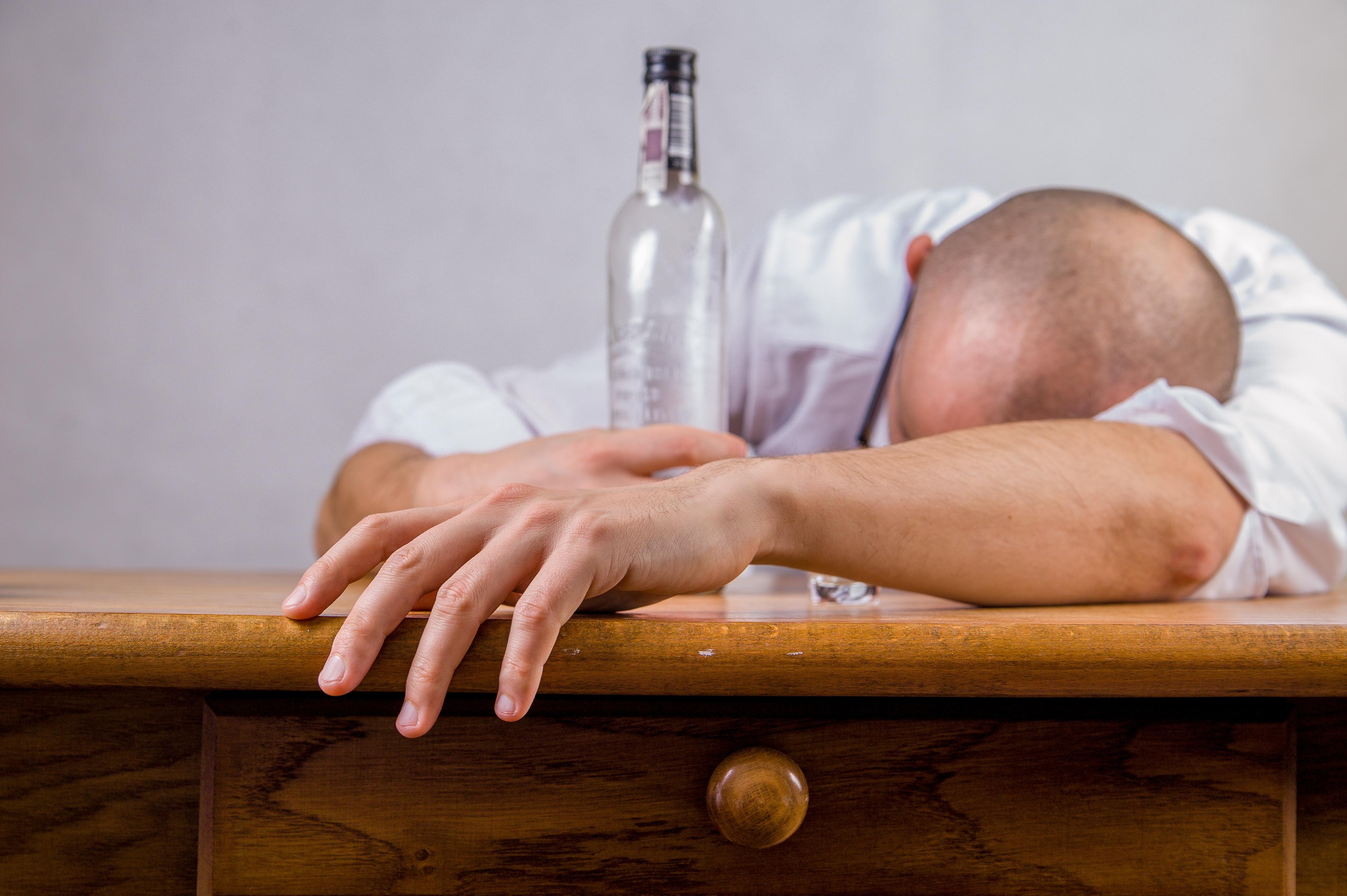 Oración buscando ayuda contra mi vicio por el alcohol